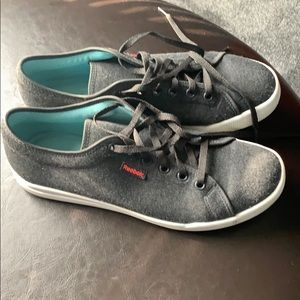 Reebok Tennis shoes almost new Gray